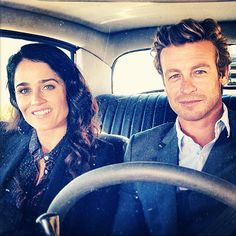"""Robin Tunney and Simon Baker- Almost everyone that knows I watch the Mentalist says: """"Yeah my _____watches it because of Simon Baker."""" And I just laugh out loud because I watch the show firstly because I love it and secondly because Robin is drop dead gorgeous! Simon Baker who!? hahaha!"""