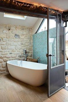 43 Useful Attic Bathroom Design Ideas Bad Inspiration, Bathroom Inspiration, Interior Inspiration, Sweet Home, Interior Architecture, Interior Design, Ideas Hogar, Attic Bathroom, Bathroom Taps
