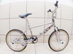 1995 GT pro freestyle tour Bmx Bicycle, Bmx Bikes, Gt Bmx, Bmx Freestyle, Skate Park, Vintage Bikes, Old School, Candy, Sweet