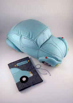 Fusca azul - capa para caderneta de vacina e almofada (molde da Lu Gastal)