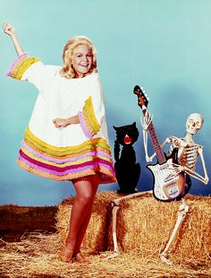 gravesandghouls:  Sandra Dee, 1968