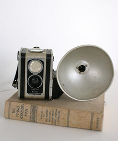Vintage cameras.. I need about 8 of these.. to same untill we are ready to make my dream happen!!! YAY im so excited