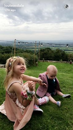 Lux and Sid at Sam and Tomo's wedding One Direction Collage, Baby Lux, Daughter, Wedding, Outfits, Instagram, British, Fashion, Weddings