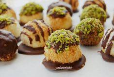 Hindistan cevizini seviyorsanız kesinlikle denemeniz gereken bir tarif. Hindistan cevizi çikolata ile buluşunca çok lezzetli oldu. Be...