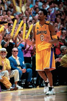 Sneakers of a Generation: The 10 Most Basketball Sneakers Kobe Bryant Nba, Lakers Kobe Bryant, Young Kobe Bryant, Nba Players, Basketball Players, Basketball Videos, Nba Pictures, Collage Pictures, Kobe Mamba
