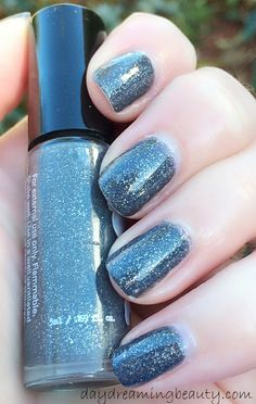 Grayscale from the November Rainbow Honey mini mystery bag is Sinful Colors Prosecco's older sister! #similarbutnotsame #RainbowHoney #Prosecco