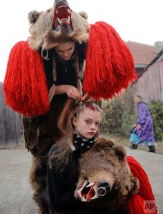 Bear dance ritual connects Romania with the past — AP Images Spotlight People Of The World, Romania, Spotlight, The Past, Winter Hats, Braids, Bear, Dance, Pictures