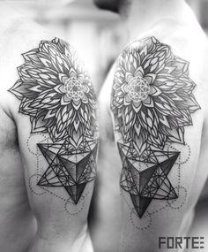 Sacred geometry shoulder tattoo #fortelondon #metatronscube #mandala #men