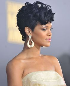 Sensational Rihanna Hairstyles And Shorts On Pinterest Hairstyle Inspiration Daily Dogsangcom