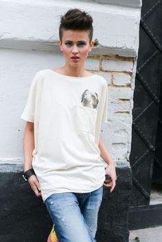 Dogs tale top V Neck, T Shirts For Women, Animal, Dogs, Fashion, Moda, Fashion Styles, Pet Dogs, Doggies