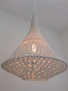 Tower chandelier pendant lamp, created by Wonderwirelamps. Crochet Furniture, Cool Light Fixtures, Crochet Lamp, Caravan Makeover, Crochet Home Decor, Macrame Art, Diy Home Improvement, Lamp Shades, Pendant Lamp