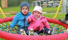 Korbschaukel für kleine Kinder Petting Zoo, Little Children, Playground, Day Care