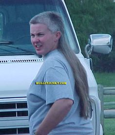 Just say No to mullets. Man mullets are bad, SHE mullets are off-the-chain awful! Bad Hair Day, Big Hair, Mullet Haircut, Great Haircuts, Mullets, Crazy People, Stupid People, Crazy Hair, Hair Dos