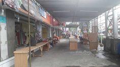"Masih Sepi Pembeli, Pedagang Pasar Dinoyo Gelar Bazar https://malangtoday.net/wp-content/uploads/2017/04/Pasar-Terpadu-Dinoyo-1.jpg MALANGTODAY.NET– Kondisi Pasar Terpadu Dinoyo (PTD) masih sepi pembeli. Sehingga para pedagang menginisiasi menggelar sebuah bazar. Tenda bazar dan meja-meja telah disiapkan di halaman pasar. ""Para pedagang di sini memang sengaja bikin bazar sementara itu untuk meramaikan pasar.... https://malangtoday.net/malang-raya/kota-malang/mas"