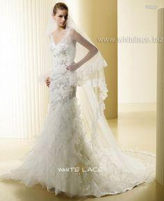 chic romantic wedding dress la9007 china bridal dressbridal 562x689 Chic Wedding Dresses