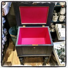 Painted with #ChalkPaint by #NordicChic in red #MumsLipstick and grey #Slate and decorated with #Goldfinger - painted by #ZibenZak