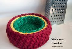 BOWLS--This Bird's Nest Bowl Set is a quick and easy crochet pattern you can you can whip up in an evening using bulky weight yarn Read more at http://www.allfreecrochet.com/Organization/Birds-Nest-Bowl-Set/ml/1#7jvPX8dH4FXkMbxH.99