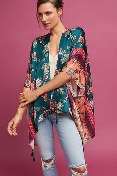 Anthropologie Favorites: Kimonos, Ponchos, and Wraps Kimono Diy, Kimono Floral, Mode Kimono, Kimono Outfit, Silk Kimono, Kimono Fashion, Cute Fashion, Skirt Fashion, Boho Fashion