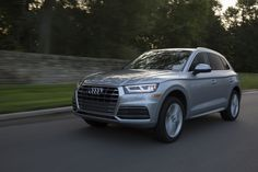 Edmunds compares the Audi and BMW Which luxury SUV has the edge? Comparing the Audi and BMW Which luxury SUV has the edge? Best Luxury Sports Car, Luxury Suv, Most Reliable Suv, Best Compact Suv, Cheap Sports Cars, Suv Comparison, Best Suv, Life Car, 6 Pack Abs