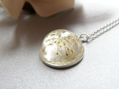 Queen Annes Lace Winter Snowflake Necklace in Resin Botanical Flower £15.00