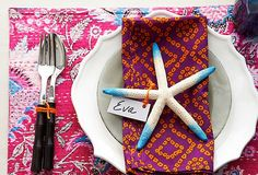 I love to assign place settings for dinner parties and this one is lovely. Dip-Dyed Starfish – Live.Love.Home.