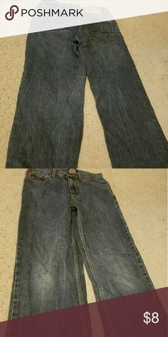 Boy's Ecko Unltd blue jeans size 10 Gently used jeans. Waist measures 27. Threading is on unraveling on right pocket. It is not noticeable, but I wanted to mention it. Ecko Unlimited Bottoms Jeans