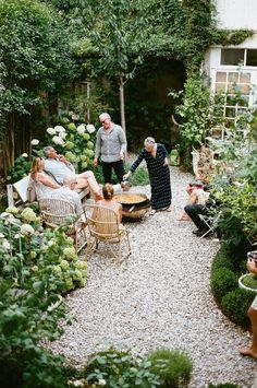 Wabi Sabi, Back Gardens, Outdoor Gardens, Modern Gardens, Japanese Gardens, Pea Gravel Garden, Gravel Landscaping, Mediterranean Garden, Garden Landscape Design