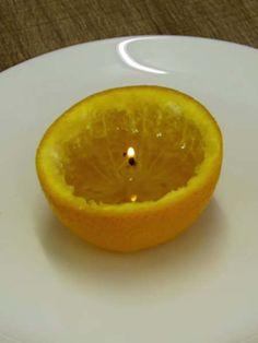 Wir zeigen Ihnen, wie Sie mit einer Orange und ein wenig Olivenöl eine super kreative Kerze basteln können.