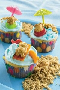 Teddy-at-the-Beach cupcake