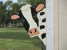 Your place to buy and sell all things handmade Cow Head Barn Yard Peeker Sign Wood Yard Art, Fence Art, Wood Art, Woodworking Projects Diy, Wood Projects, Cow Craft, Pallet Christmas Tree, Yard Ornaments, Cow Head