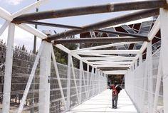 Resultado de imagen para puentes peatonales