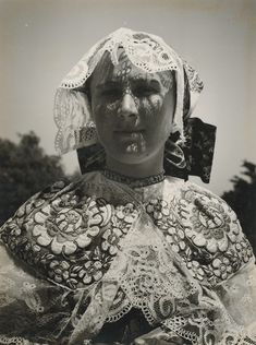 "leregretdestempspasses: ""Girl from Jablonica, Slovakia around 1940 (Viliam Malík) "" Folk Art, Statue, Ghost, Art, Buddha Statue, Folklore, Folk"