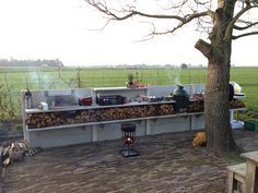 WWOO Concrete kitchen with a beautiful view. The perfect mix!