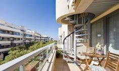 Modern three bedroom apartment with two terraces in El Molinar