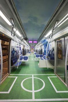 """Fox Sports cria """"estádio de futebol"""" em trem do Metrô"""