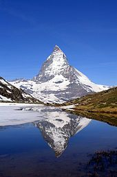 El paisatge suís està caracteritzat pels Alps, una alta cadena muntanyosa que discorre a través de la zona central i sud del país. Entre els alts pics dels Alps Suïssos destaca el Pic Dufour, que assoleix els 4.634 metres per sobre del nivell del mar.