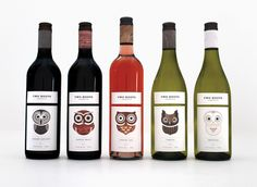 The wine label printing and packaging design for Two Hoots, a new wine collection, targets a young, fun and care-free audience For each wine label an owl character has been designed to match the characteristics of the wine, which. Wine Bottle Design, Wine Label Design, Wine Bottle Labels, Wine Bottles, Wine Packaging, Packaging Design, Die O, Wine Brands, Wine Collection