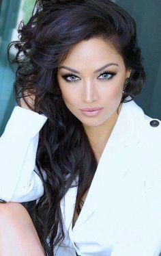 Claudia Lynx....hair and makeup