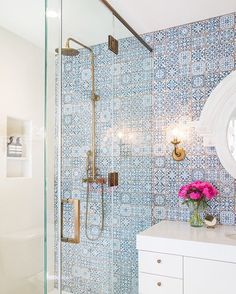 All my favorite colors in perfect ratio in this stunning bathroom by Byrd Design. Photo by Diana Relth.