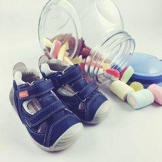 #Zapatos sport con cierre de velcro, con nuevas tecnologías de biomecánica y confort para los primeros pasos. Llega la primavera para los peques de casa!