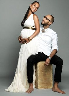 R'n'B star Alicia Keys shares her pregnancy joy on Instagram, as she celebrates her wedding anniversary with husband Swizz Beatz