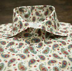 Camisas italianas Cordone Misura Mens Printed Shirts, Men's Shirts, Modern Man, Men Dress, Shirt Dress, Casual Shirts, Paisley, Menswear, Mens Fashion