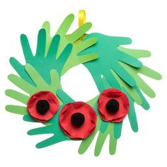 Are you looking for creative projects at home or in the classroom? View our free craft ideas for kids, teachers and grown-ups. Easy Fall Crafts, Fall Crafts For Kids, Holiday Crafts, Art For Kids, Kid Crafts, Remembrance Day Activities, Remembrance Day Poppy, Bonfire Night Crafts, Bonfire Night Activities