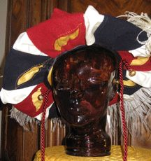This is truly and awesome site!German Gallery of Glorious Hats! So hard to pick just one to pin. Renaissance Image, Renaissance Clothing, Larp, Medieval Hats, Mens Garb, German Outfit, Landsknecht, German Women, Hat Hairstyles
