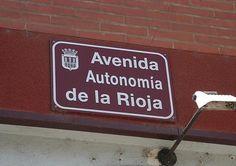 «La Rioja» con el artículo también en mayúscula, no «*la Rioja»
