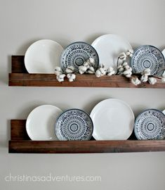 17 DIY Farmhouse Decor Projects That Will Save You Time & Money Simple DIY Ledge Shelf - Easy DIY Farmhouse Decor Ideas Using Dollar Store Items. These cheap DIY rustic decor projects are perfect for your fixer upper style home. Diy Rustic Decor, Vintage Farmhouse Decor, Country Farmhouse Decor, Farmhouse Style, Urban Farmhouse, Farmhouse Ideas, Rustic Style, Farmhouse Decorative Plates, Country Interior
