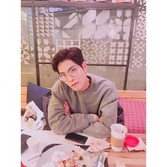 오랜만에 #i'mc #maska Hong Jong Hyun, Jung Hyun, Asian Actors, Korean Actors, Asian Love, Moon Lovers, Korean Star, Movies Showing, Character Inspiration