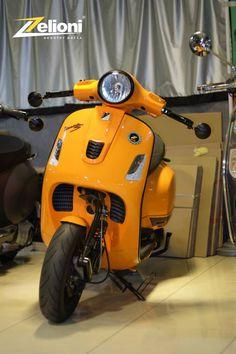 Vespa 300, New Vespa, Piaggio Vespa, Lambretta Scooter, Vintage Vespa, Vespa Tuning, Vespa Roller, Vespa Motor Scooters, Biker Love