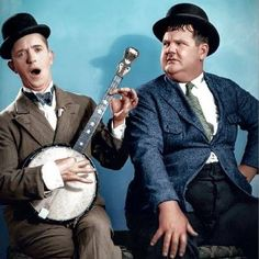 Laurel and Hardy my favorite comedy duo of all time! Laurel And Hardy, Stan Laurel Oliver Hardy, Great Comedies, Classic Comedies, Classic Hollywood, Old Hollywood, Mejores Series Tv, Photo Star, Sound Film