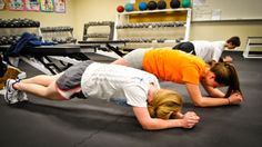 7 things that will happen when you start doing planks every day.